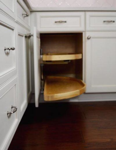 blind-corner-pull-out-rev-a-shelf_orig